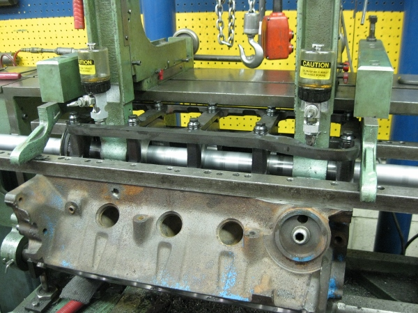 cylinder block align boring operation